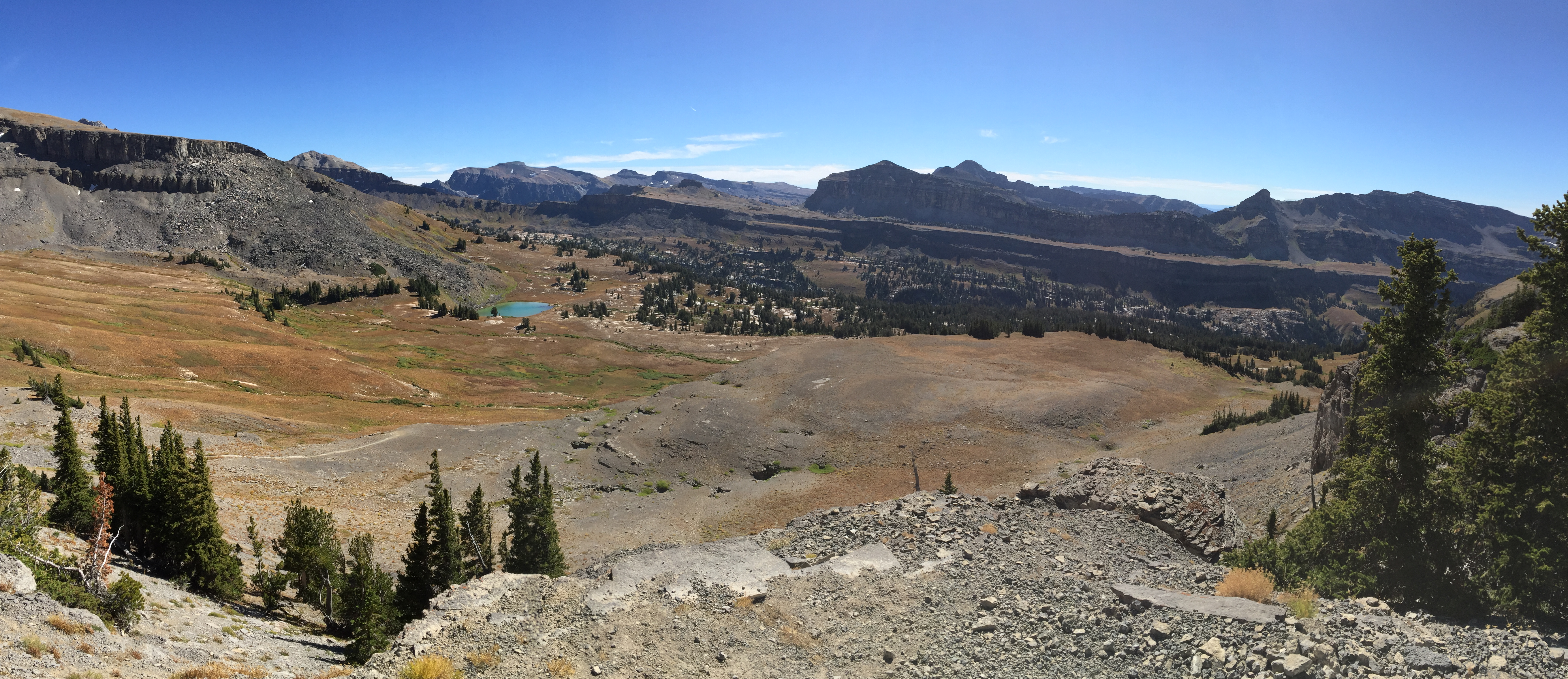 Teton Crest Trail - Looking south across Alaska Basin